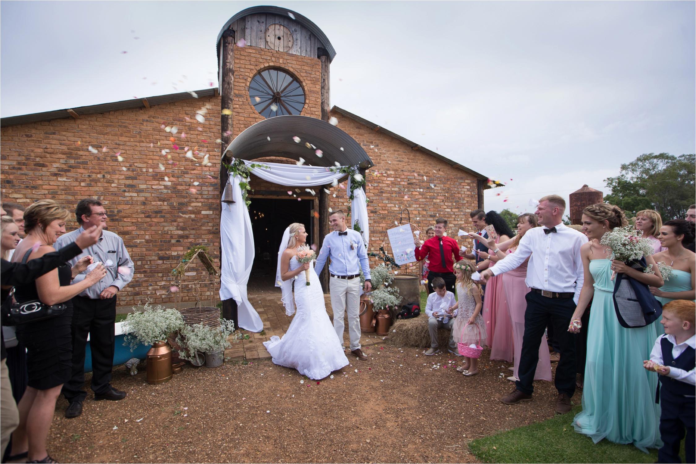 Die_Waenhuiskraal_wedding_Alicia_Dwayne_49